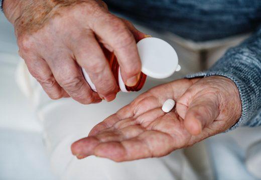 Alteracions de les formes farmacèutiques de la medicació per a la gent gran